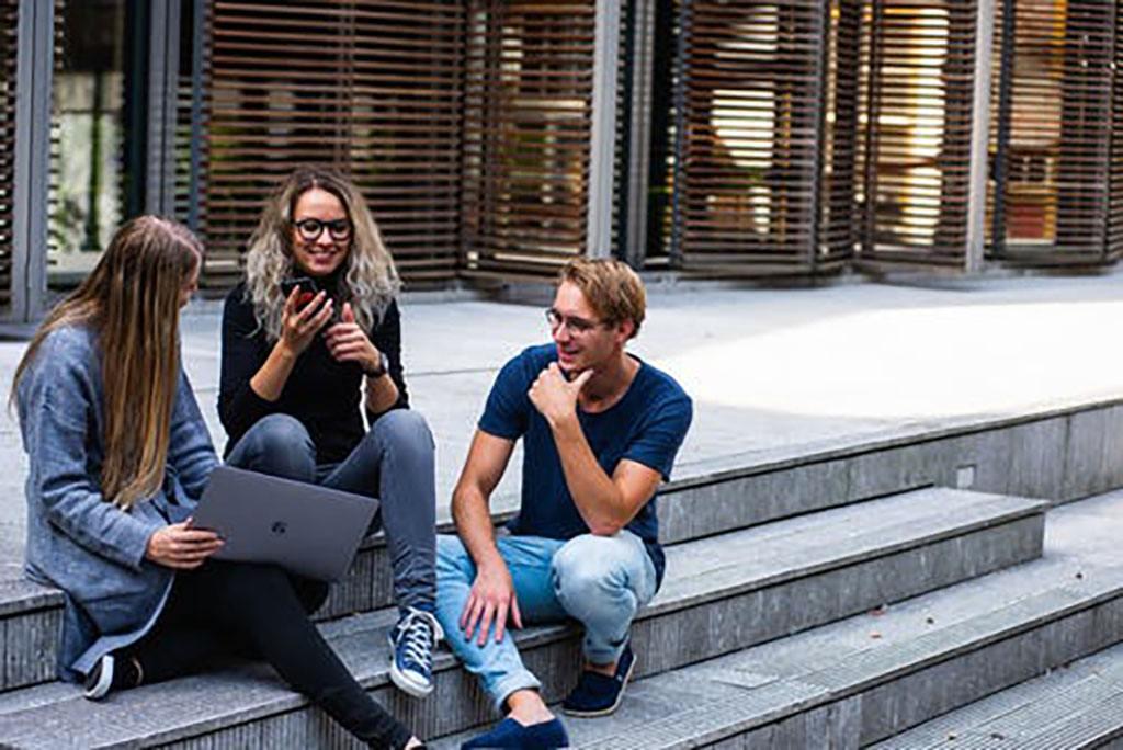 Des jeunes à Paris pour l'emploi